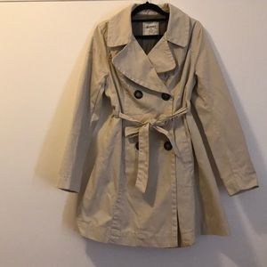 Trench coat. Double breasted buttons